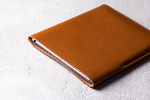Slim-Fit-iPad-Air-Sleeve-Tan-Lifestyle-004