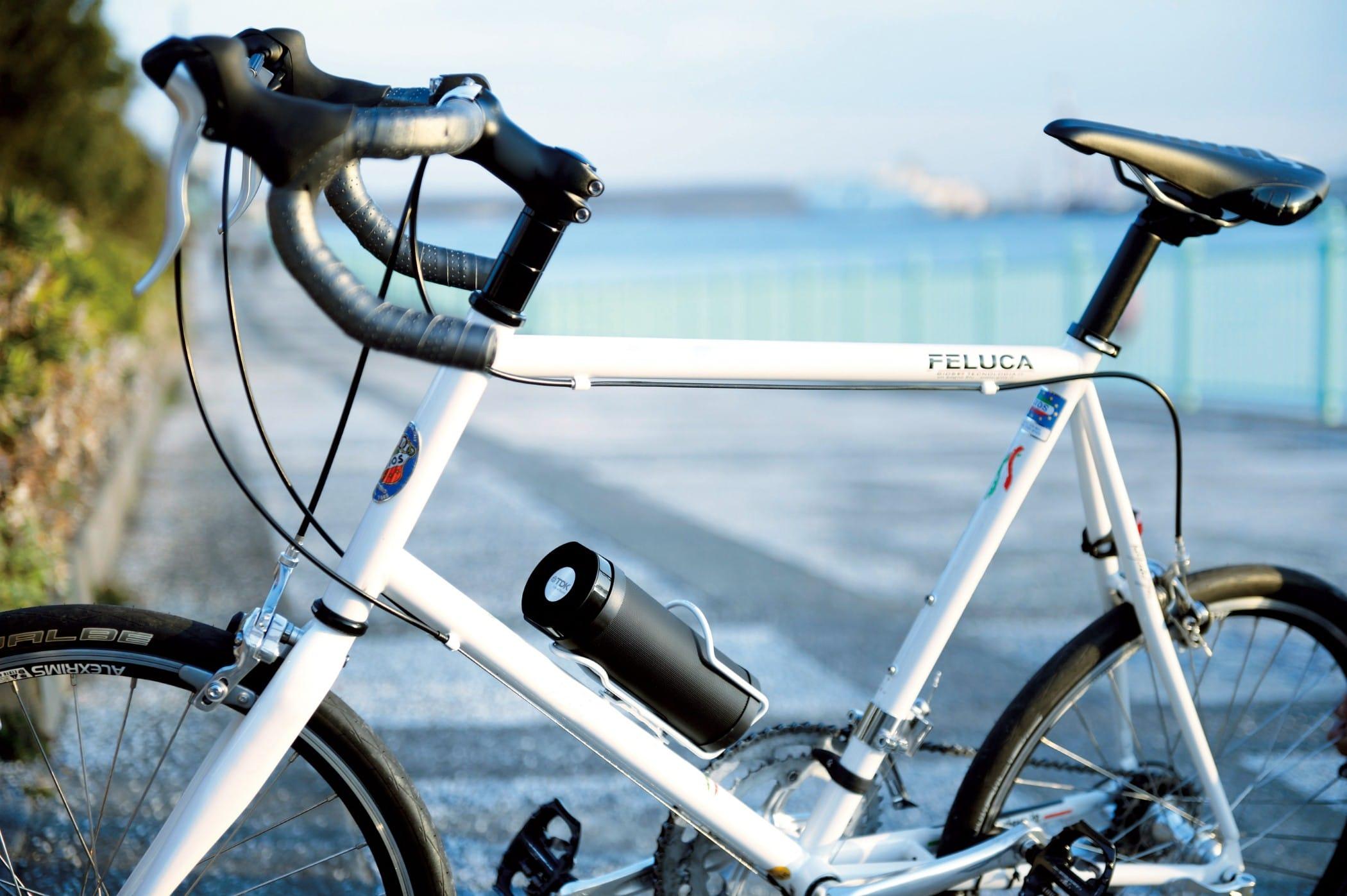 TDK_62190_TREK_Flex_A28_BK_lifestyle_bycycle_no_logo
