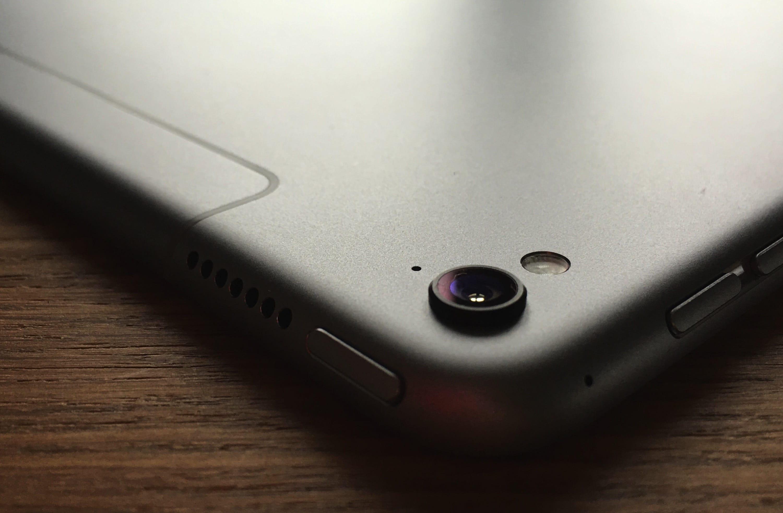 iPad-Pro-9.7-04-hero