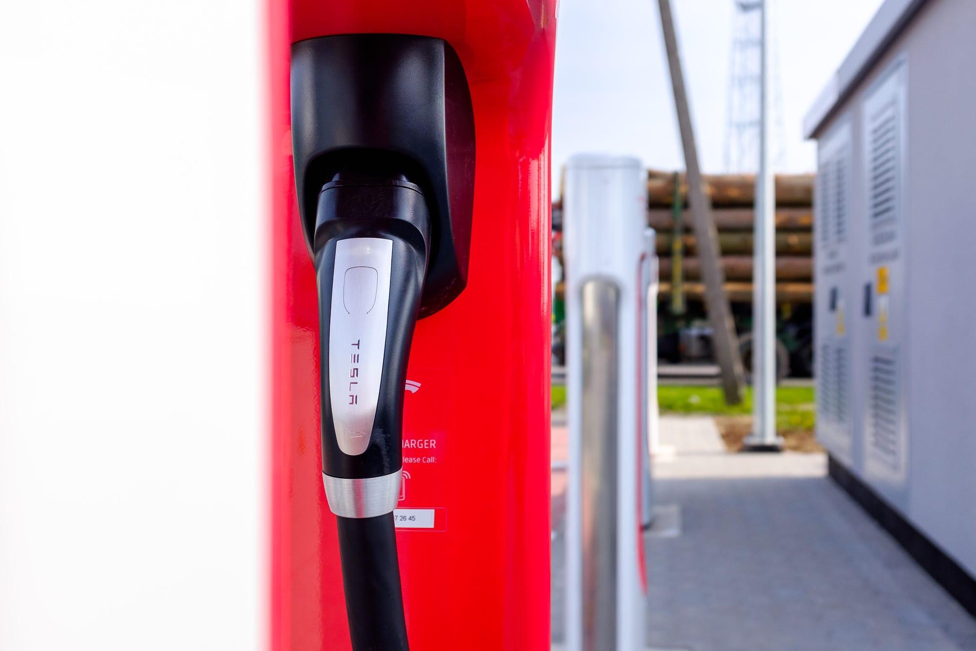 Tesla Supercharger - Kostomłoty podWrocławiem