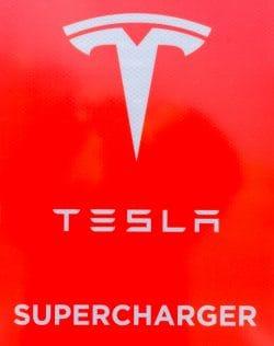 Tesla Supercharger - Kostomłoty pod Wrocławiem