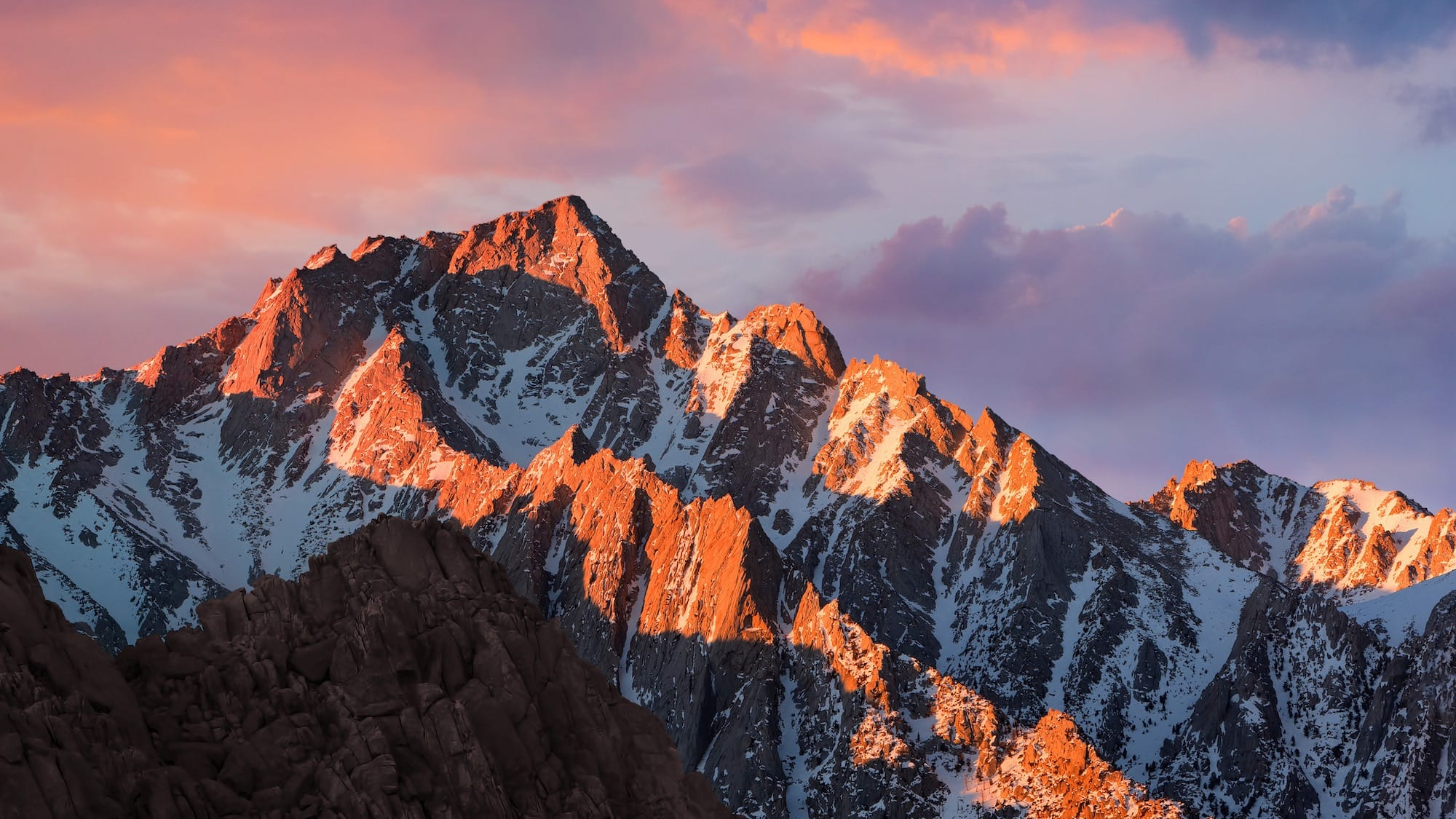 Zdjęcie gór Sierra Madre z macOS Sierra [tapeta]