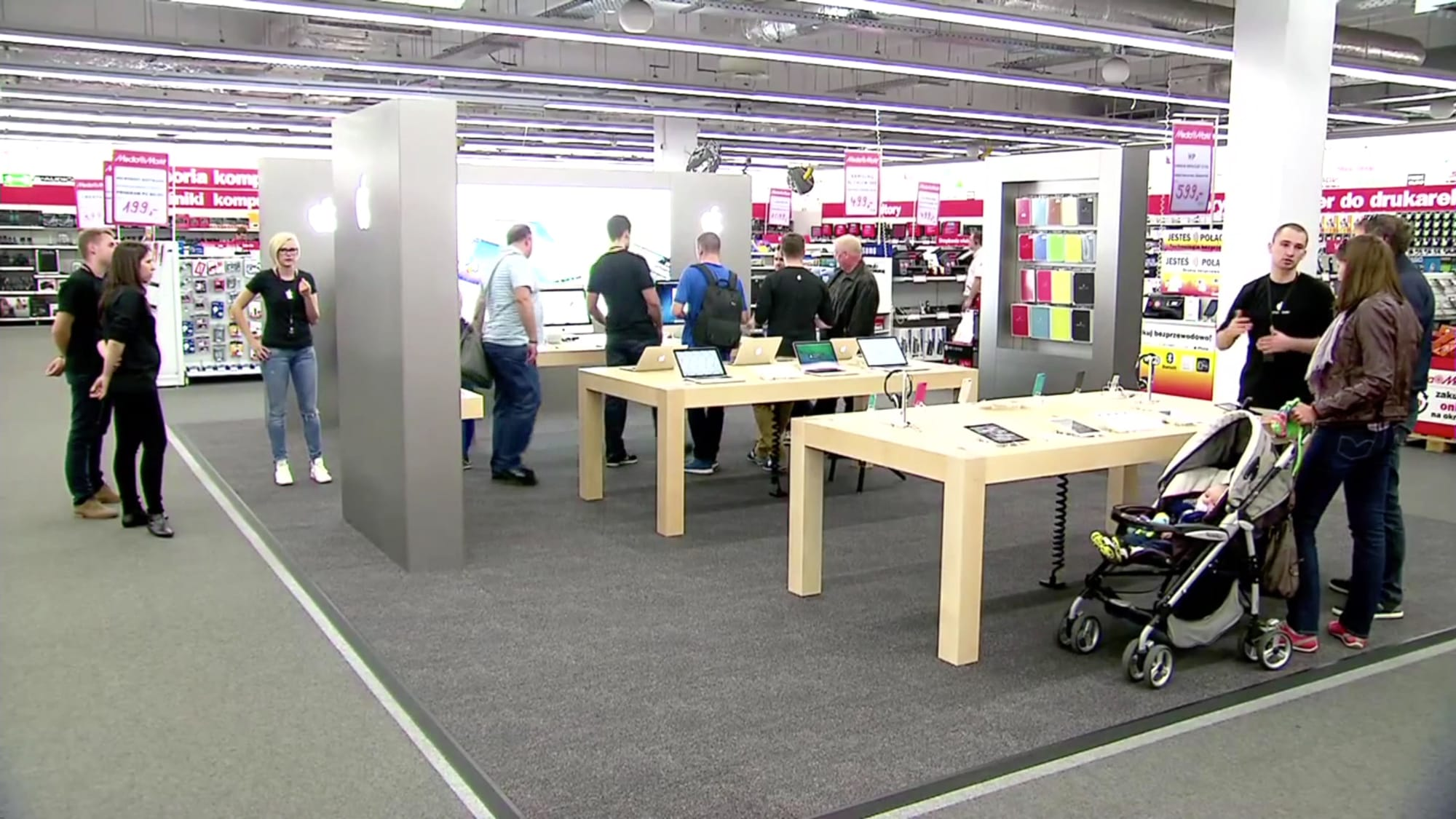 rewitalizacja apple shop w media markt warszawa ok cie. Black Bedroom Furniture Sets. Home Design Ideas