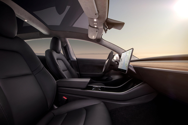"""Tesla Model 3 – wcale nie taki tani, """"na jakiego wygląda"""
