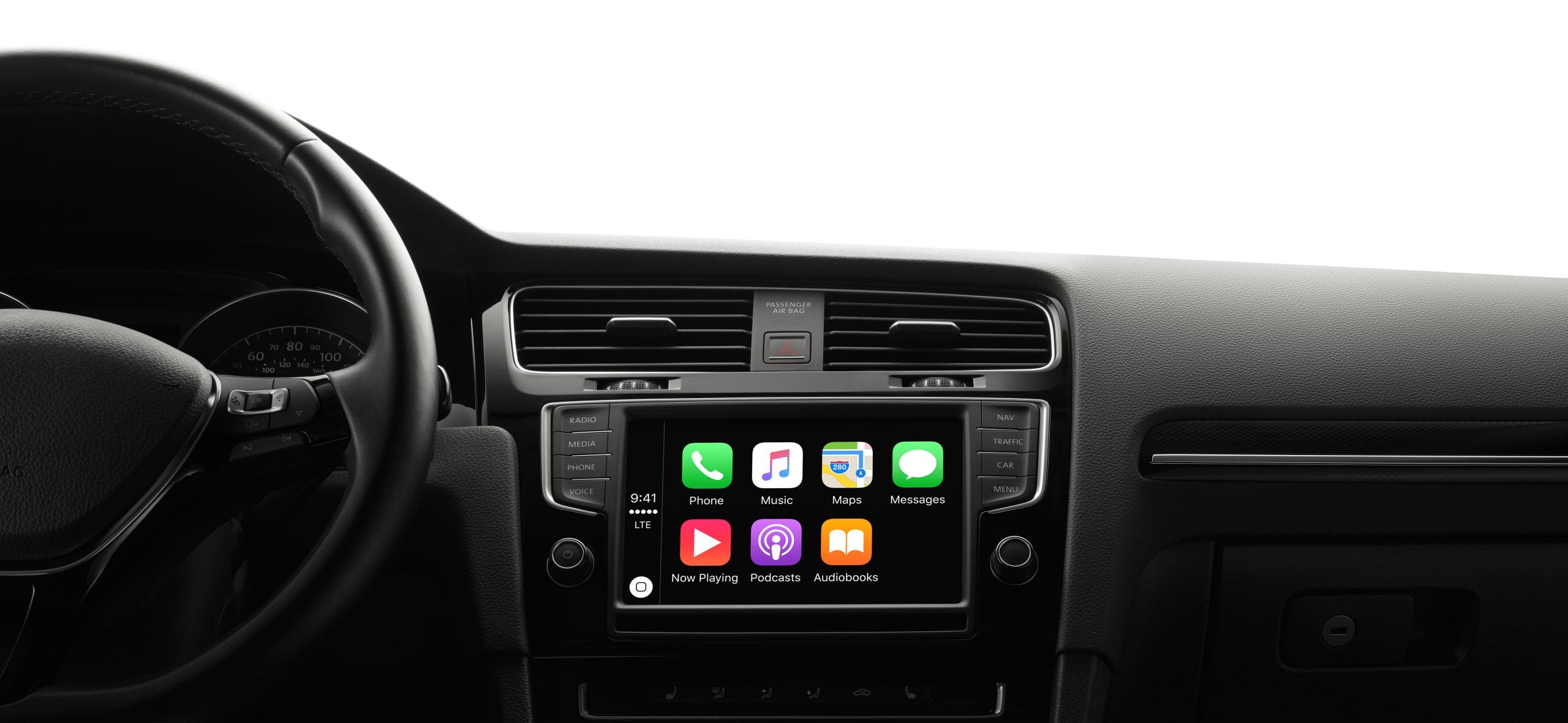 Nowe Fiaty i Volkswageny z Apple Music ma sześć miesięcy