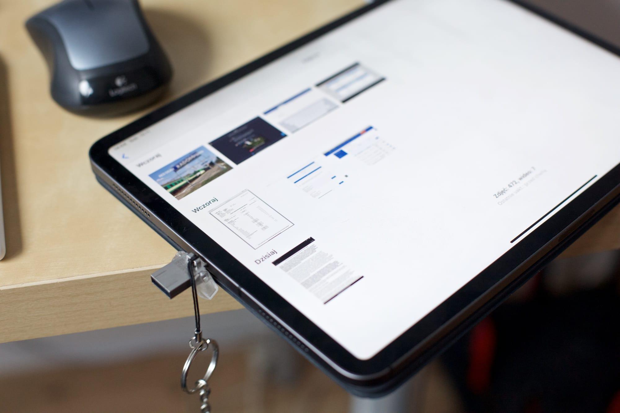 Można podłączyć iPada 2 do projektora