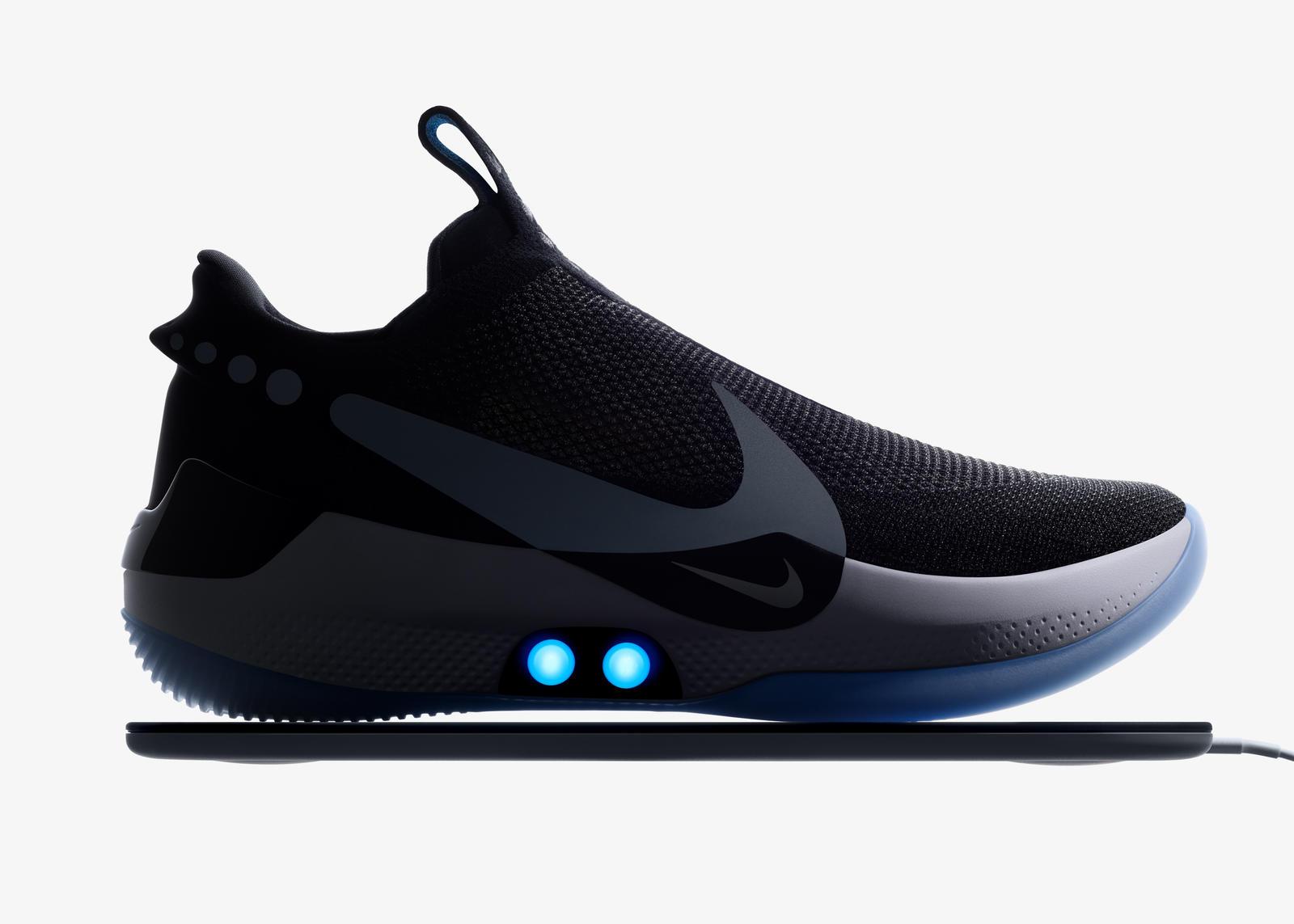 new concept 18fd0 2a9ef Samowiążące buty Nike sterowane z iPhonea w lutym trafią do sklepów   iMagazine